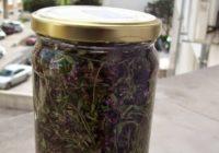 Recite zbogom aknama: Ne trebaju vam više skupi preparati – evo provjereni domaći recept za ljekovitu tinkturu! (2 – recept)