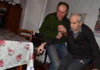 On je heroj ovog Božića: Milovan se vratio iz grada na selo da bi čuvao bolesnog oca (FOTO)
