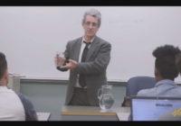 """Psiholog daje najbolju lekciju o stresu: """"Koliko je teška ova čaša vode?"""""""