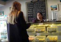 Ušla je u poslastičarnicu i rekla da su kolači koje je kupila pokvareni! Kad je prodavačica otvorila kutiju usledio je šok života!